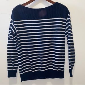 Gap Sweater Size Small
